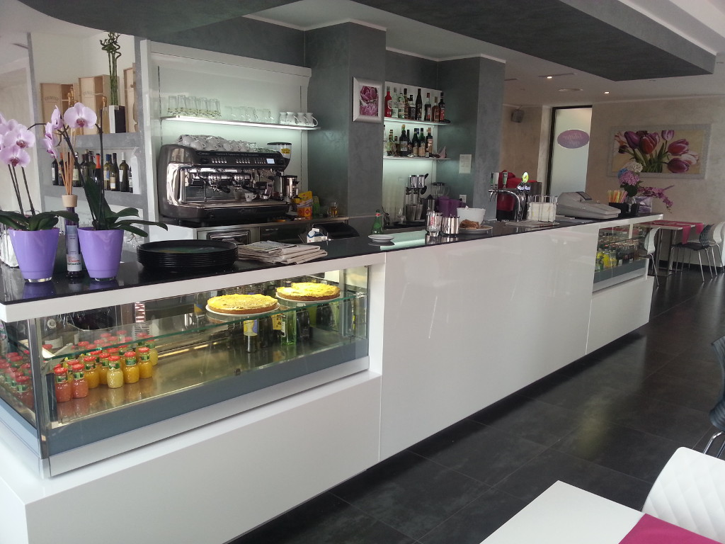 Bar and shop design arredamenti per bar negozi uffici for Outlet online arredamento design